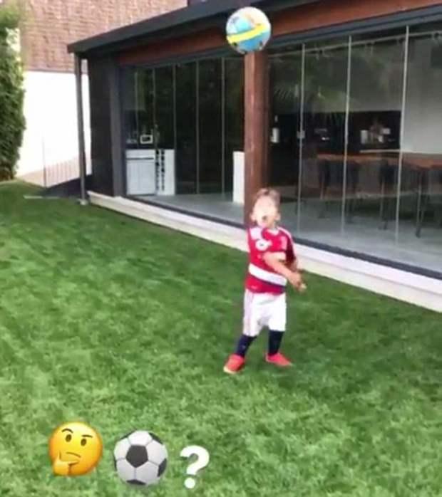 Jersey Sepak Bola Terbaru midlesbrough 2017 Dipakai Anak Luis Suarez