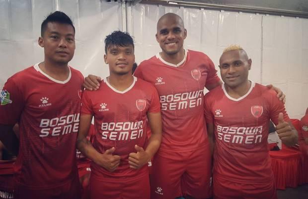 Jersey Sepak Bola terbaru 2017 PSM Makassar.