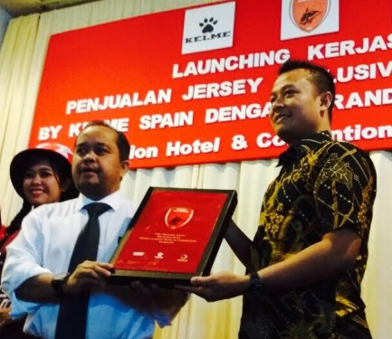Kerja sama Jersey Sepak Bola terbaru 2017 PSM Makassar Dengan Apparel Kelme